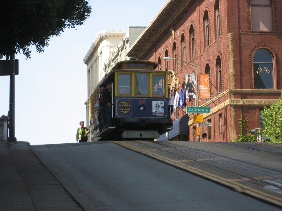 © 2012 S. D. Stewart, Cable car cresting Powell Street into Lower Nob Hill, San Francisco, California